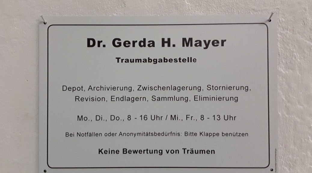 Namensschild am Büro: Dr. Gerda H. Mayer, Traumabgabestelle