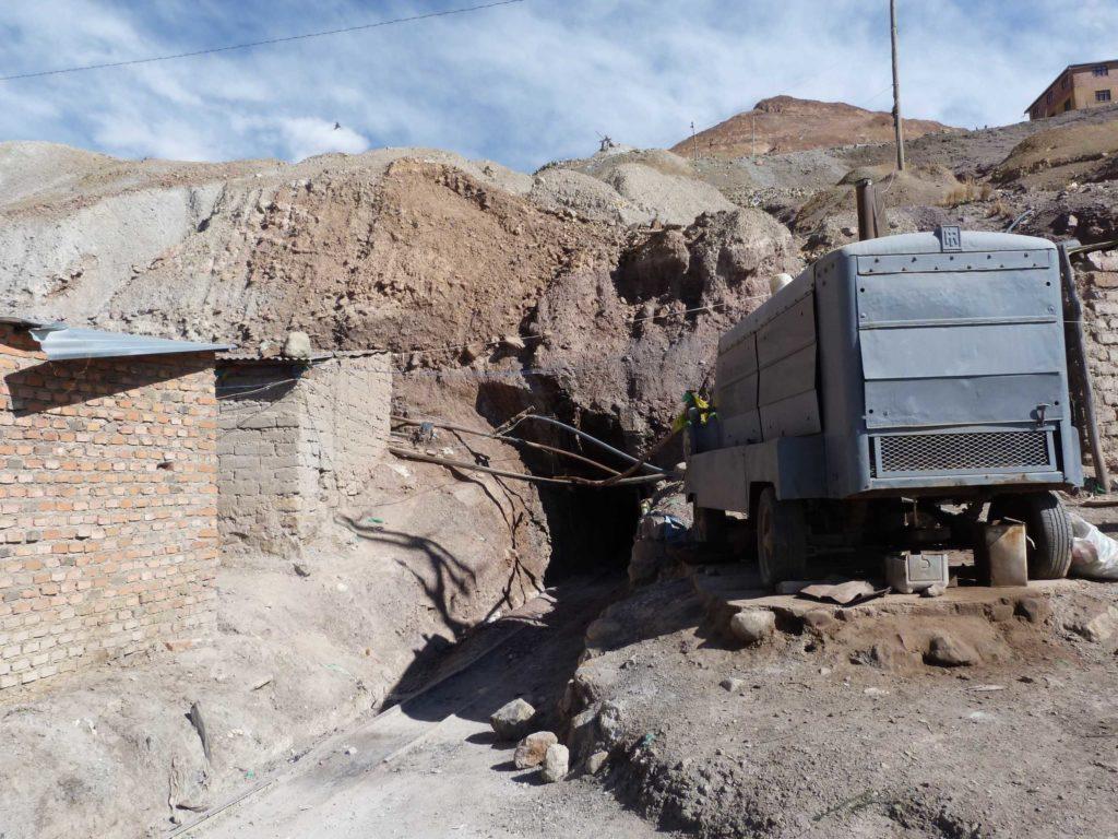 trostloser Bergwerkseingang